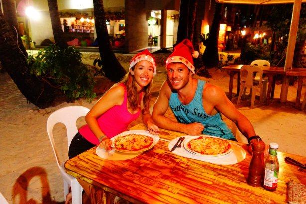 24 - petite pizza en amoureux sur la plage