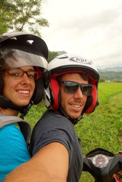 63 - nous deux en scooter