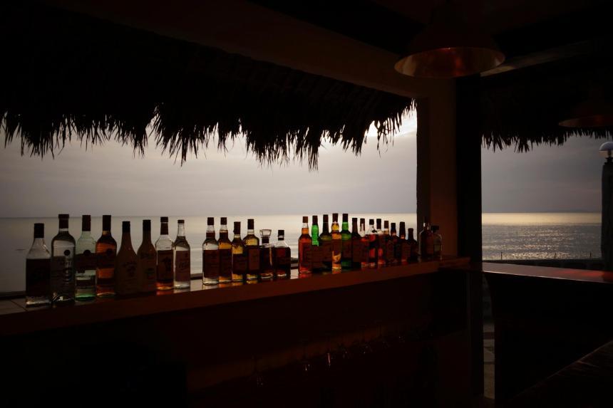 10 - le bar...