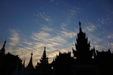 Shwedagon Paya, sunset