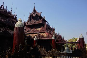 Shwe In Bin Kyanung, teak monastery