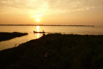 Sunset for our arrival to Mawlamyine