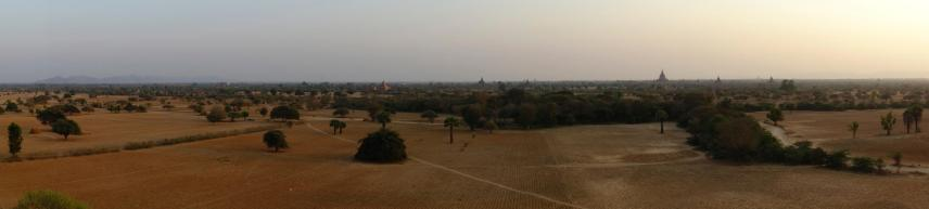 180 degrees view onto the Bagan plain