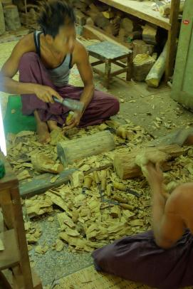 Wood crafter at Mahamuni Paya