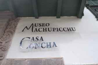 Visiting the Museum La Casa Concha talking abtou Machupicchu
