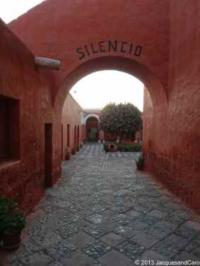 Silence, say this inscription on the wall of Santa Catalina couvent