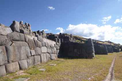 Immense terrace wall of Saqsayhuaman site