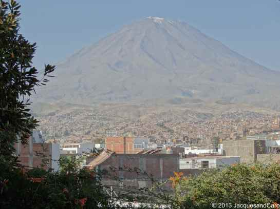 The city of Arequipa spreads around the volcano...