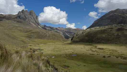 After passing the Viconga, we go down toward our camp