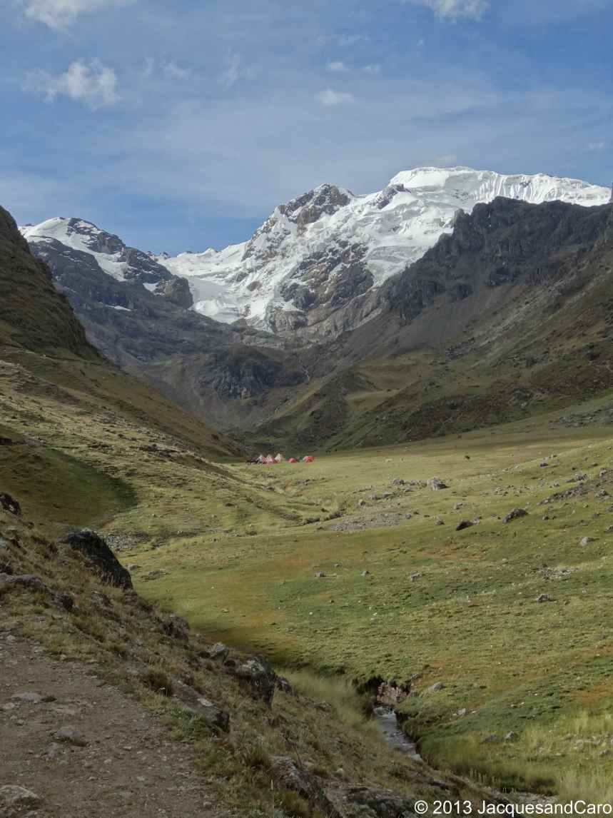 Tonight, we will camp a few miles away from El Diablo Mundo at 5,223m