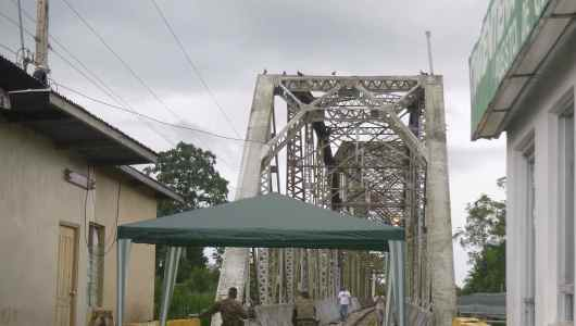 The bridge allowing you to cross the border between Panama and Costa Rica