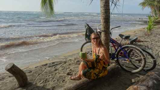 Lunch time (at 4pm) at Manzanillo beach