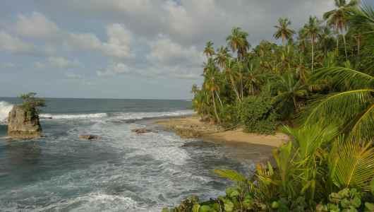 Punta Manzanillo with a nice beach