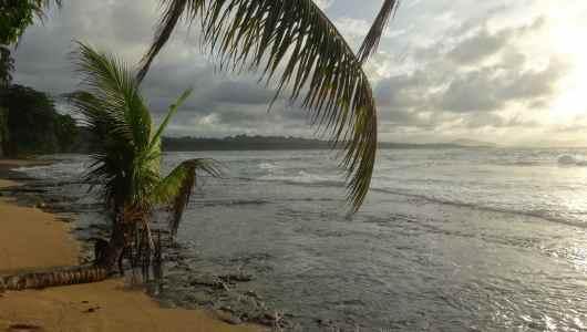 Sunset (almost) at Manzanillo beach