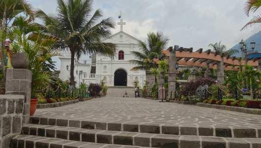 San Pedro La Laguna main church and square